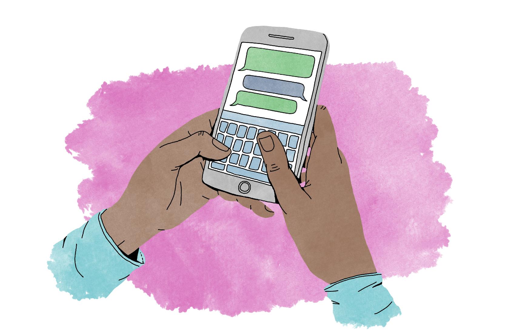 Två händer håller i en mobil, och skriver meddelanden.